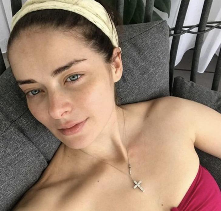 Марина Александрова даже без макияжа выглядит очень красивой