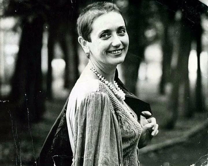 """Ранний уход Лены Могучёвой, обаятельной исполнительницы хита 70-х """"Пропала собака"""""""